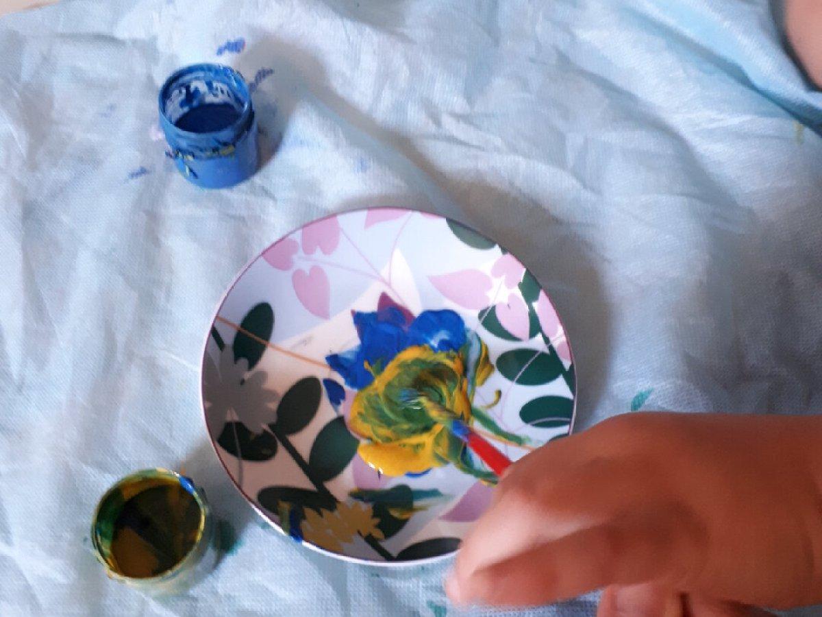 O que fazer nas férias escolares em casa - brincar com tintas