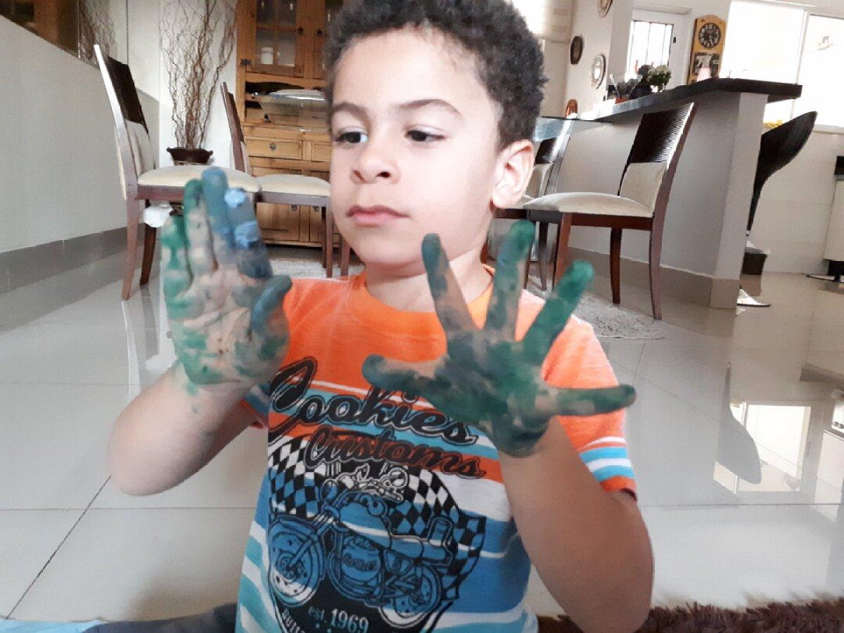 O que fazer nas férias escolares em casa - se sujar faz bem