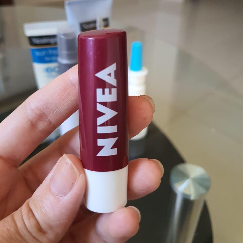 Tratamento com Roacutan – protetor labial Nivea