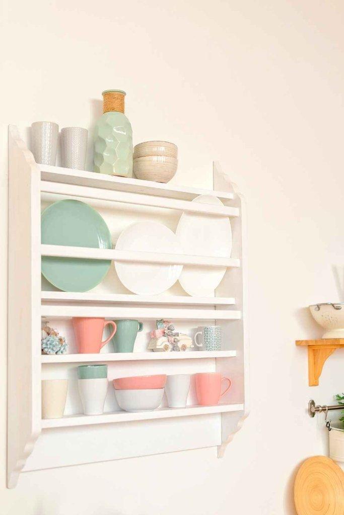 decoração de cozinha com prateleiras 13