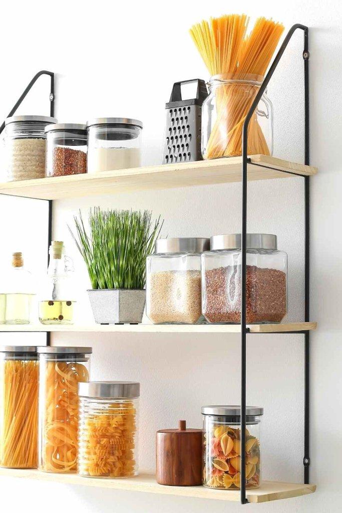 decoração de cozinha com prateleiras 9