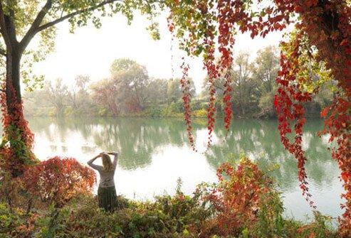 menopause_s1_woman_lake