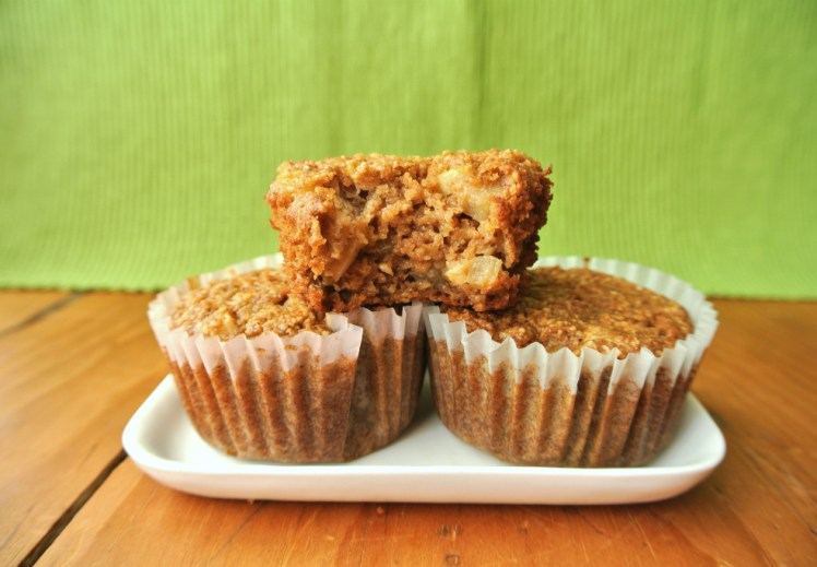 apple-oatmeal-spice-muffins-1