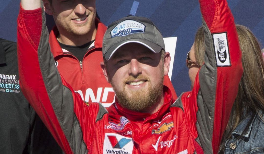 Justin Allgaier holds on to win Xfinity, his 1st victory in 5 years