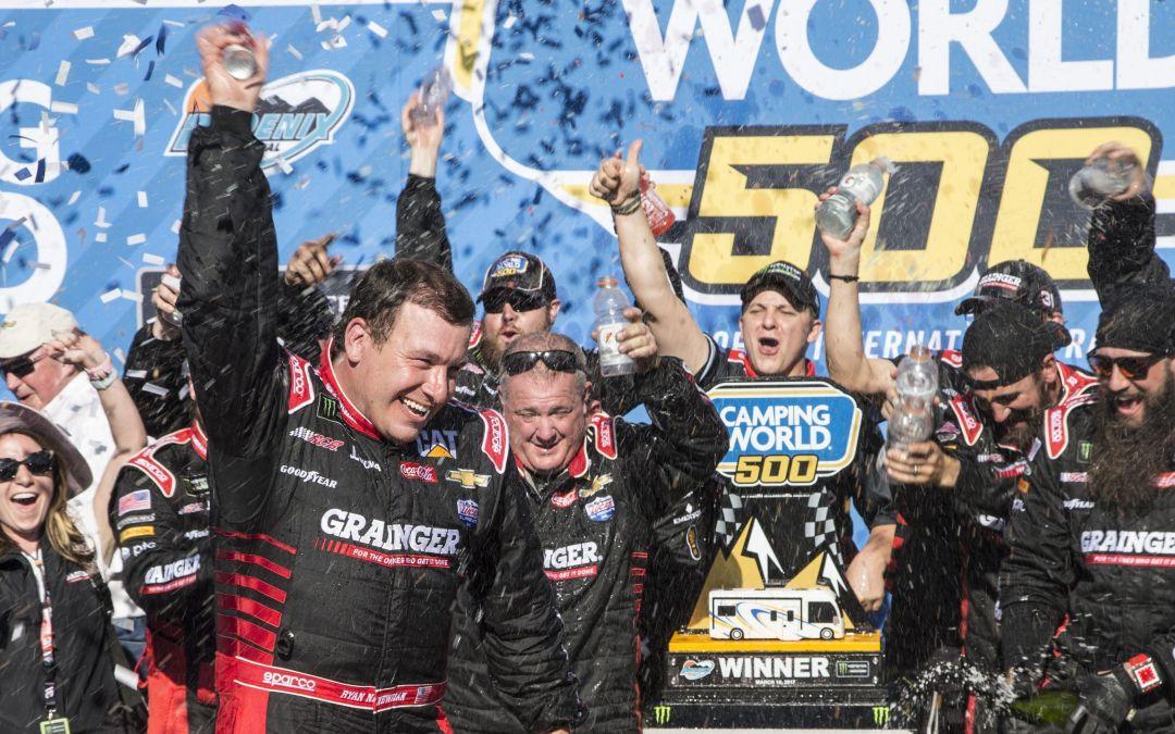 Ryan Newman skips late pit stop to stun NASCAR field at Phoenix International Raceway