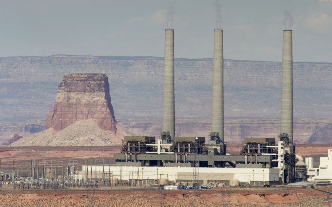 Navajo Generating Station's power lines could benefit solar and wind development, energy experts say