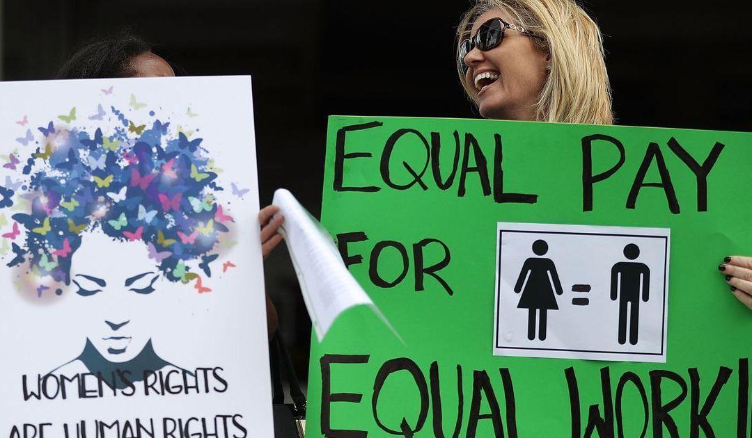 Arizona women earn 83 percent of what men earn; U.S. gap wider