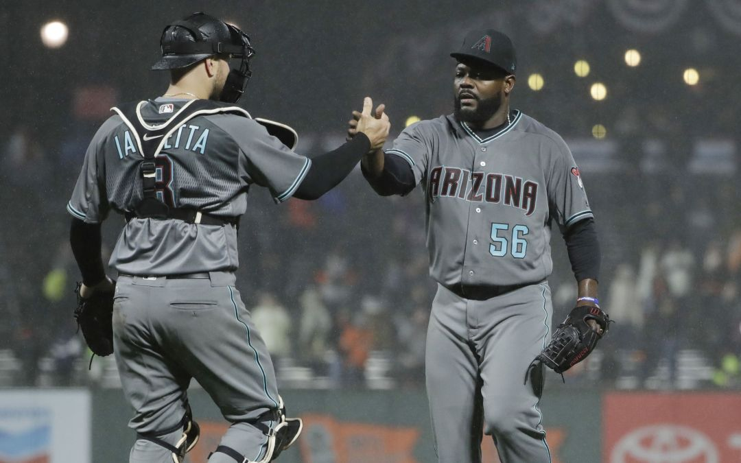 A.J. Pollock's catch helps Diamondbacks top Giants