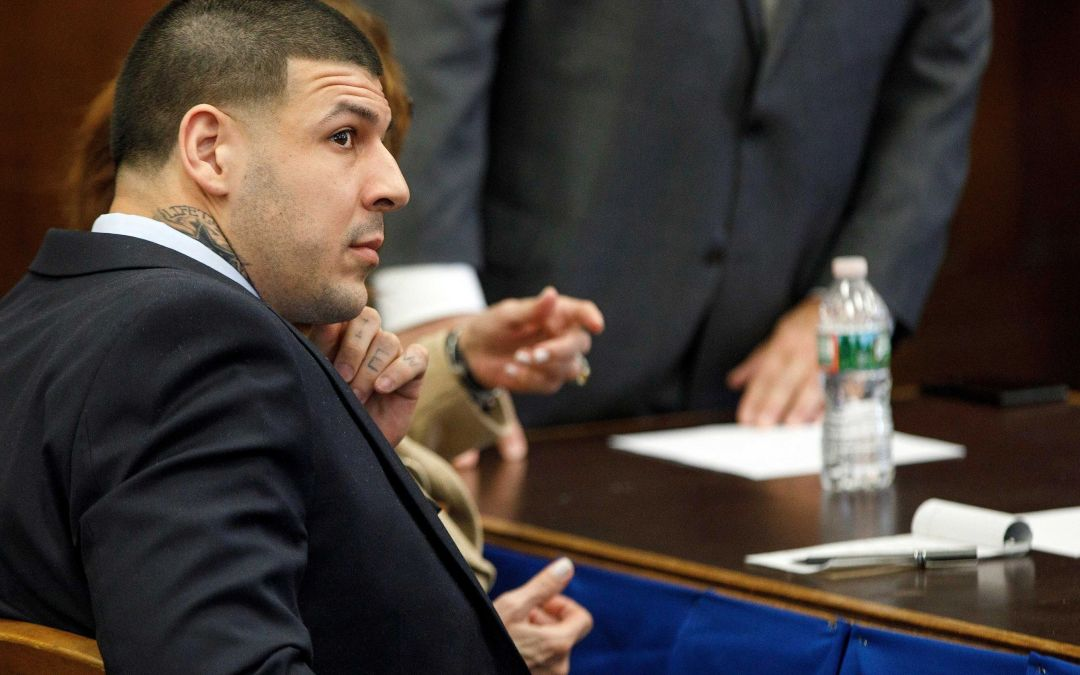 Judge orders Aaron Hernandez suicide notes be released to family before burial