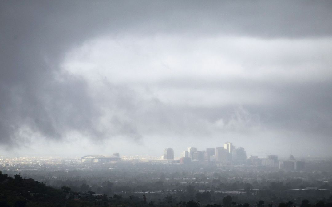 Rain lingers southeast of Phoenix area after unusually cool day