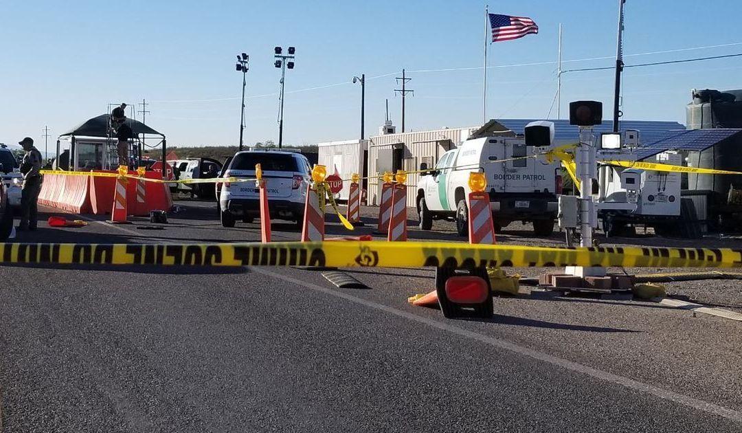 FBI probes gunfight between border agents, driver