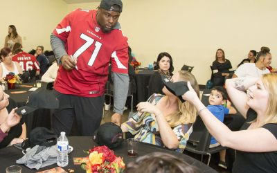 Cardinals serve early Thanksgiving dinner at Phoenix Rescue Mission