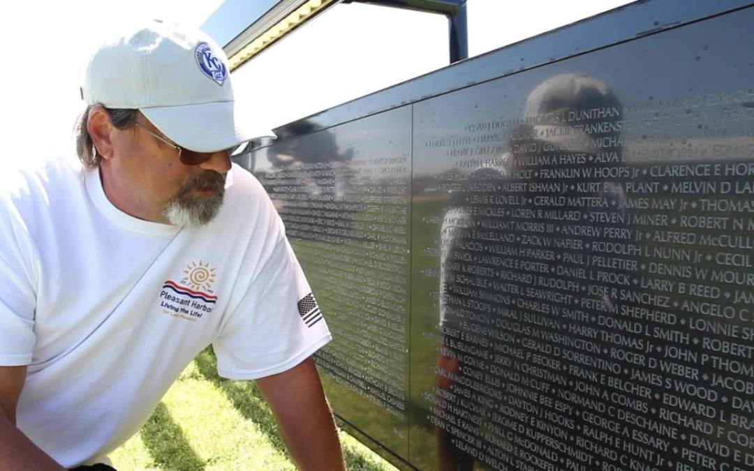 Hundreds visit replica of the Vietnam Veterans Memorial