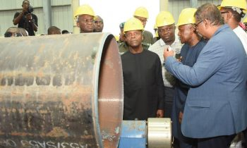Lagos State Governor, Akinwunmi Ambode (middle), with Vice President, Prof. Yemi Osinbajo (2nd left); Minister of Power, Works & Housing, Mr. Babatunde Fashola (left), President, Dangote Group; Alhaji Aliko Dangote (2nd right) and Group Executive Director, Dangote Projects, Mr. Devarcoma  Edwin during the Vice President's inspection visit to the Dangote Fertilizer Plant at the Lekki Free Trade Zone, Lagos, on Saturday