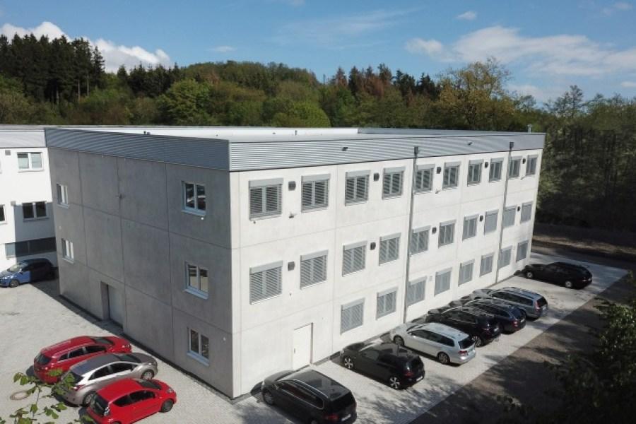 MDT otevírá novou výrobní halu