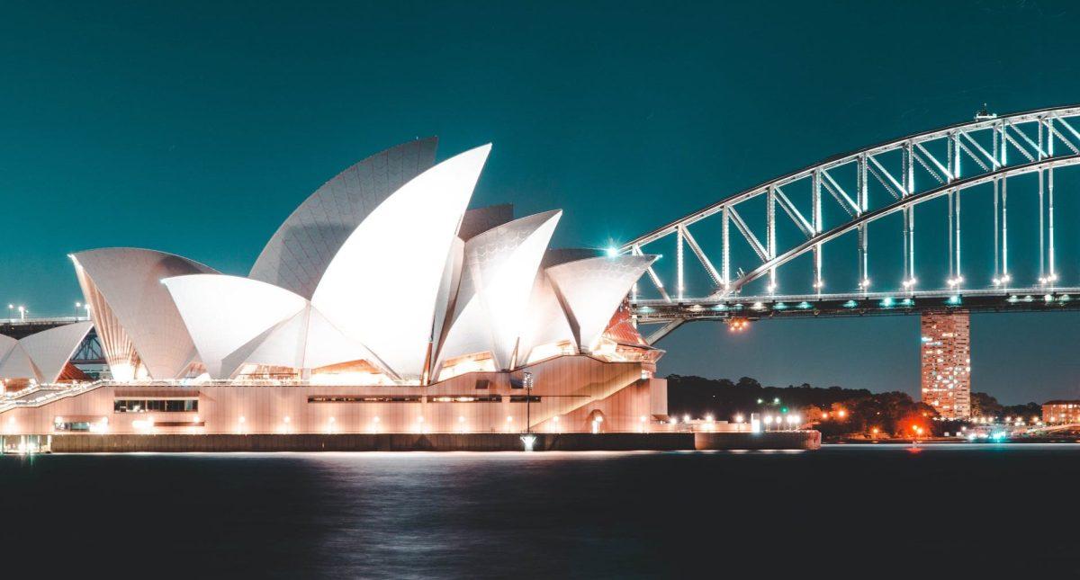 white sydney opera house