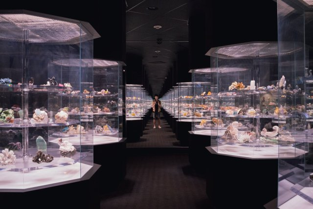 2016-05-13-me in mineral collection carnegie-01