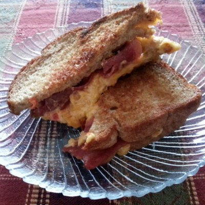 Bacon Grilled Pimento Cheese with Pepper Jelly Sandwich