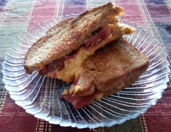 Bacon Grilled Pimento cheese with Pepper Jelly