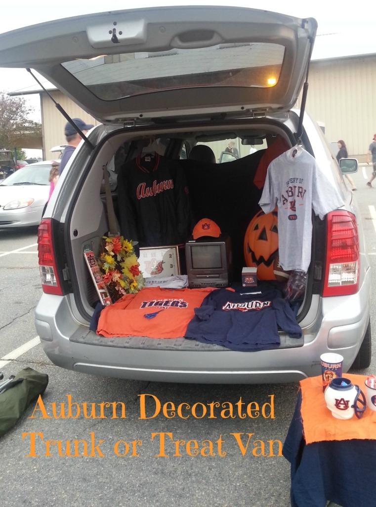 Auburn Decorated Trunk or Treat Van.intelligentdomestications.com