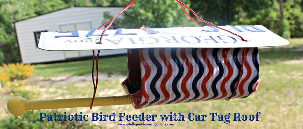 Patriotic Birdfeeder with car tag roof.intelligentdomestications.com