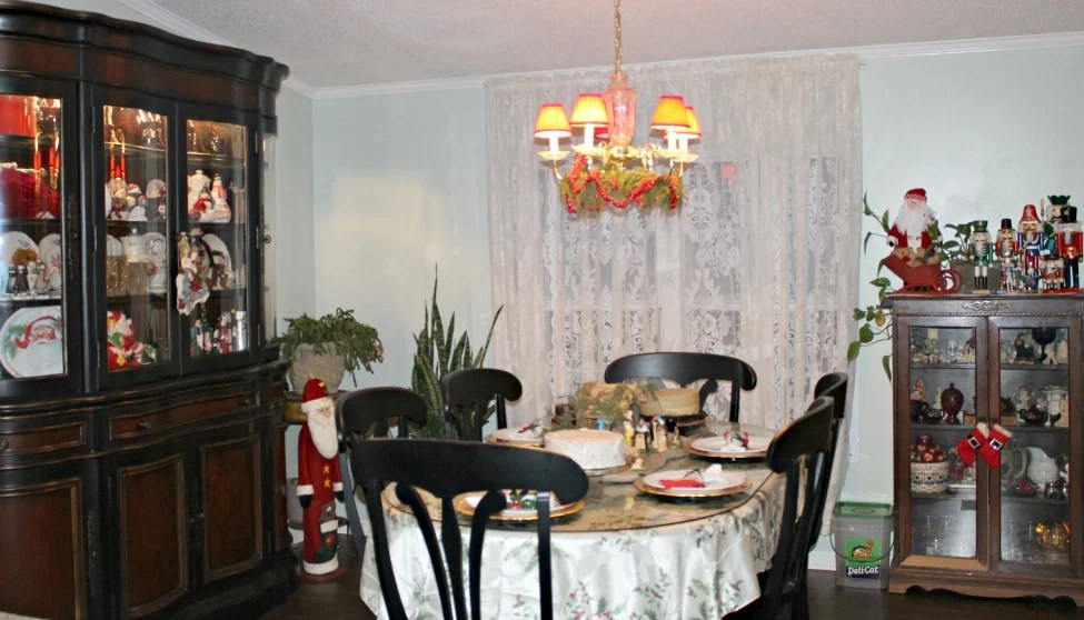 Dining Room view from the living room. Christmas Home Tour 2015.intelligentdomestications.com
