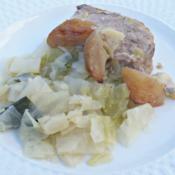 Slow Baked Apple Stuffed Pork Tenderloin recipe. How to bake a pork tenderloin. Pork Tenderloin recipe. Cabbage and pork. Cooking with apples. Apples, Cabbage and Pork dish.
