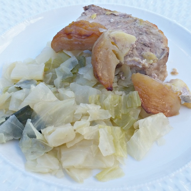 apple-baked-pork-tenderloin-with-cabbage-get-the-easy-recipe-at-intelligentdomestications-com