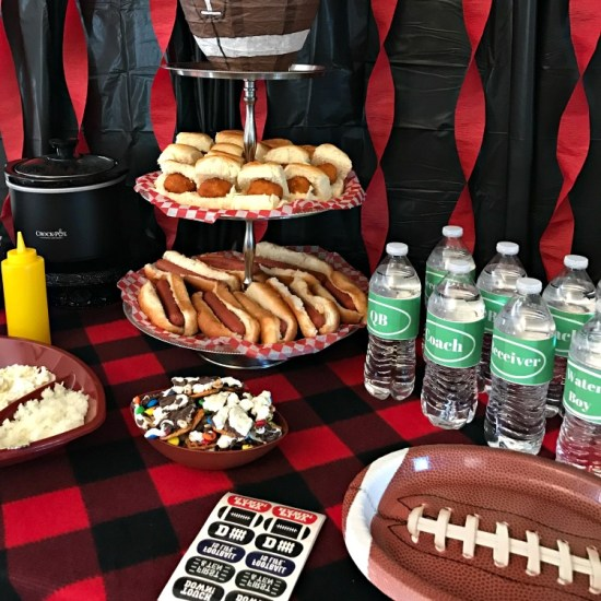 Football party ideas. Football party menu. Football food. Homegating.