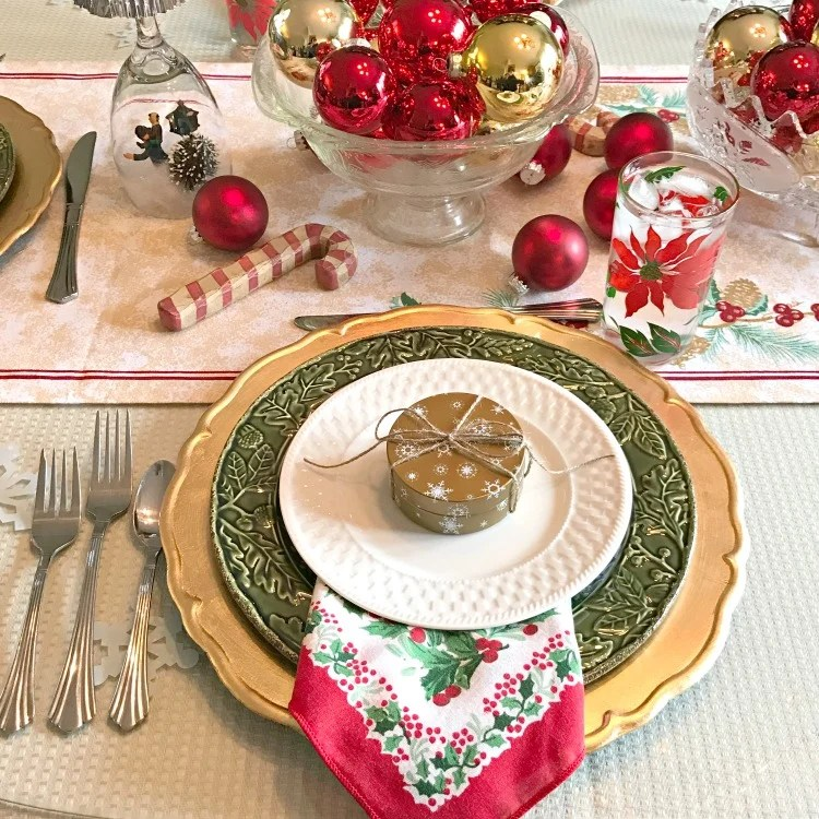red-and-gold-vintage-christmas-balls-tablescape-place-setting-intelligentdomestications-com