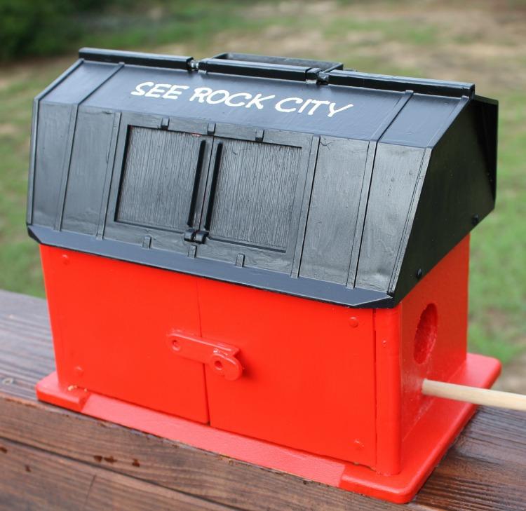 DIY See Rock City Birdhouse tutorial. How to make your own See Rock City Barn Birdhouse.