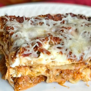 Easy recipe for classic lasagna. Easy Lasagna recipe. Classic lasagna recipe.