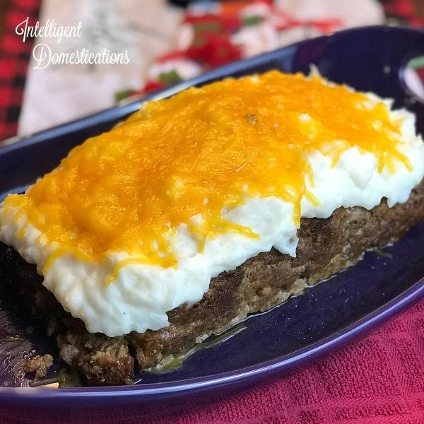 Cheesy Mashed Potato Smothered Meatloaf.. How to make cheesy mashed potato topped meatloaf. A Christmas Story Mashed Potato Meatloaf recipe