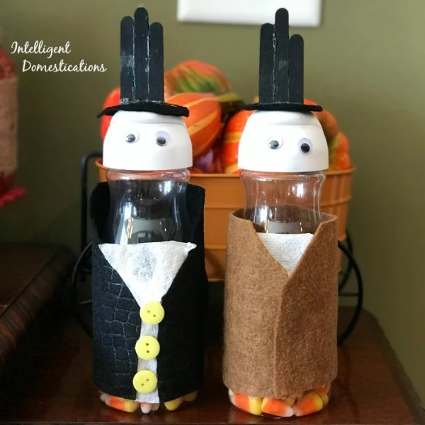 Creamer Bottle Thanksgiving Pilgrim Kids Craft. How to make Pilgrims with coffee creamer bottles. Creamer bottle kids craft ideas.