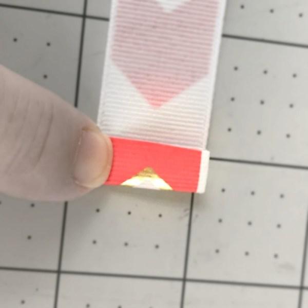 How To Make Ribbon Barkmarks. Easy Ribbon Bookmark tutorial. Easy DIY Ribbon Bookmarks