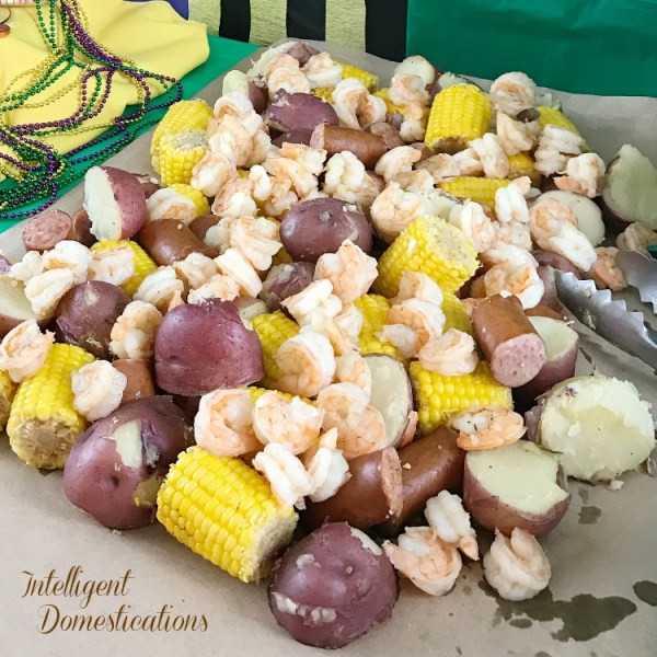 Low Country Shrimp Boil Easy Recipe. How to cook a Low Country boil. Low Country Boil. Shrimp Boil.