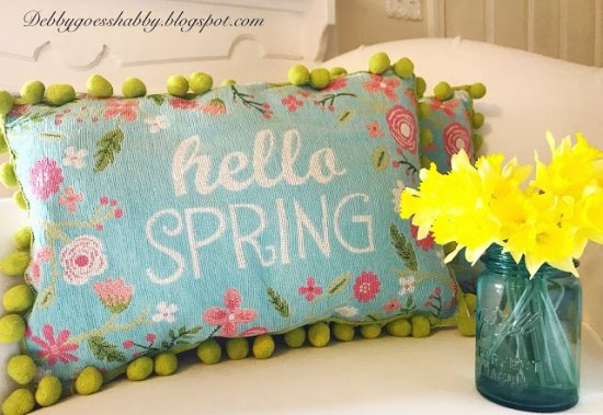 DIY Place mat Pillow cover tutorial. Merry Monday Feature