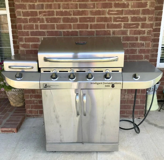How to get the gas grill ready for grilling season