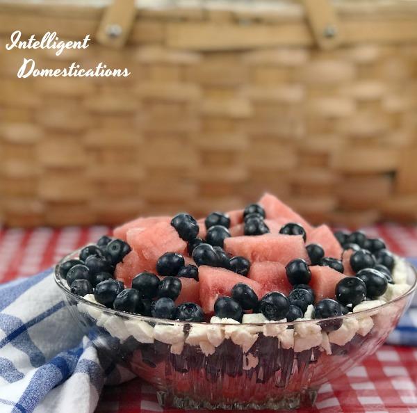 Watermelon Blueberry Summer Salad Recipe. How to make a Patriotic Watermelon Blueberry Summer Salad . Picnic food. Summer fruit salad. #picnicfood #watermelon #blueberries