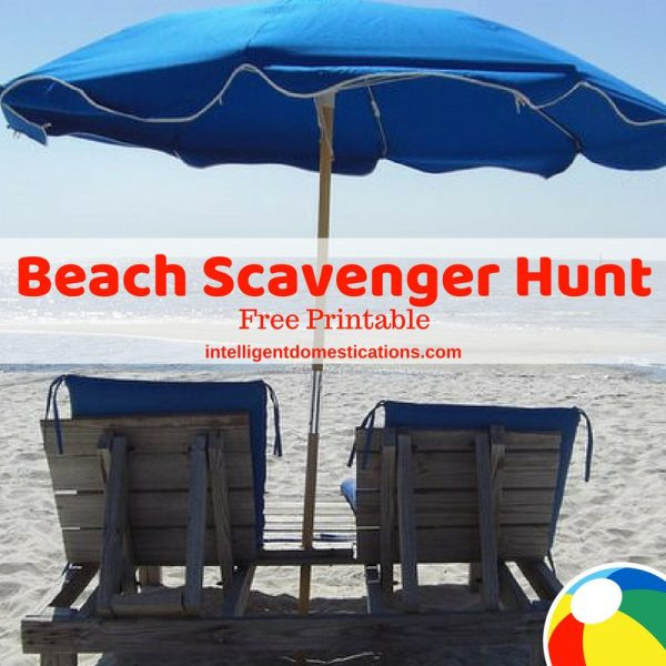 Beach Scavenger Hunt free printable. Keep the kids busy at the beach with our free printable scavenger hunt. Fun for kids and adults too! #beachvacation #beachscavengerhunt
