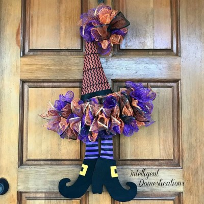 How To DIY A Witches Hat Wreath