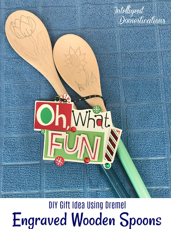 How to Engrave Wooden Spoons Using the Dremel Stylo. These are a nice DIY Gift Idea. Make your design personalized to the recipient. #engraving