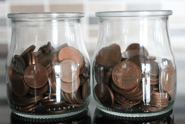 52 Tips and Ideas to Stretch the Household Budget. Ways to Save on your Household budget. Practical budgeting tips and drastic budgeting ideas. #budgeting #familyfinance