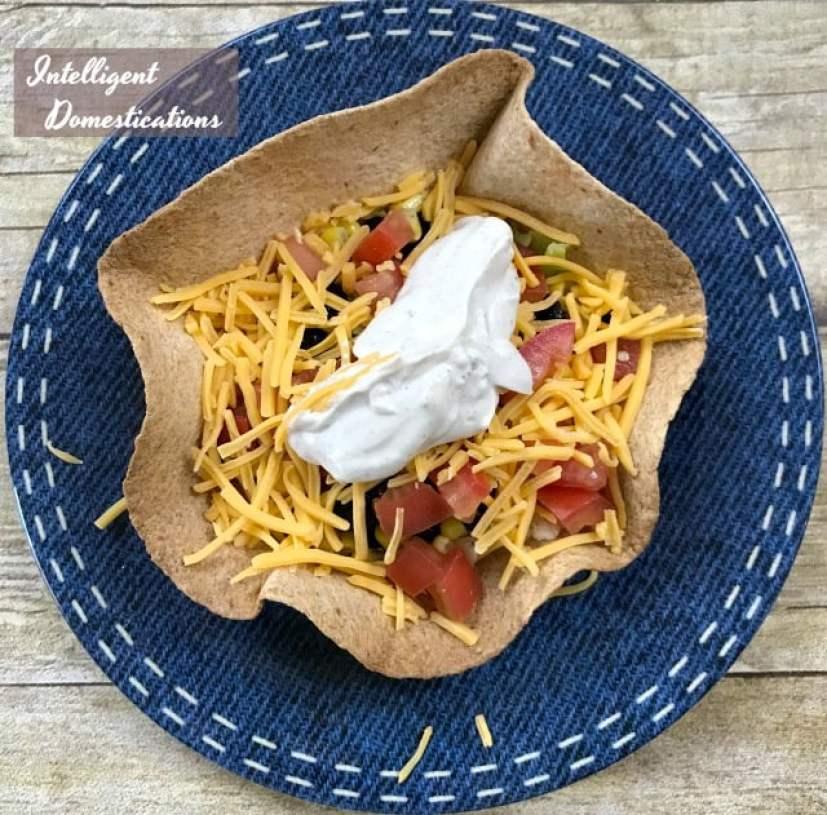 How To Make Taco Salad Bowls. Tortilla Shell Bowls for Taco Salad. #tacosalad