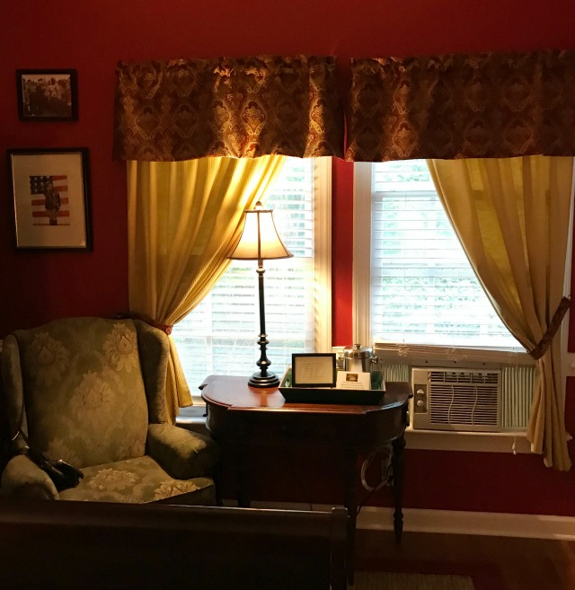 Seating area in the Churchill Room at Whitehouse Inn B&B Williamsburg Virginia.