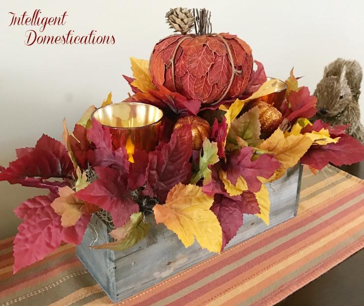 Fall Table Decorations Ideas: Rustic Fall Centerpiece DIY