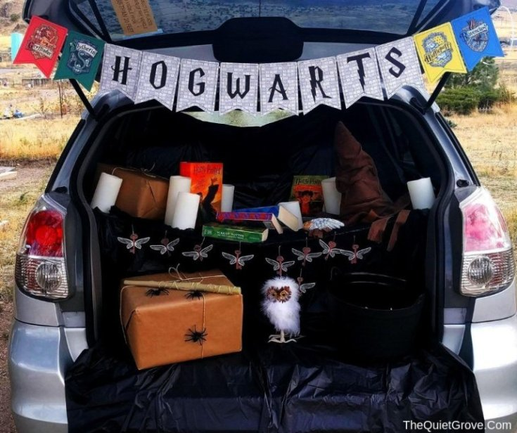 DIY Hogwarts Themed Trunk or Treat