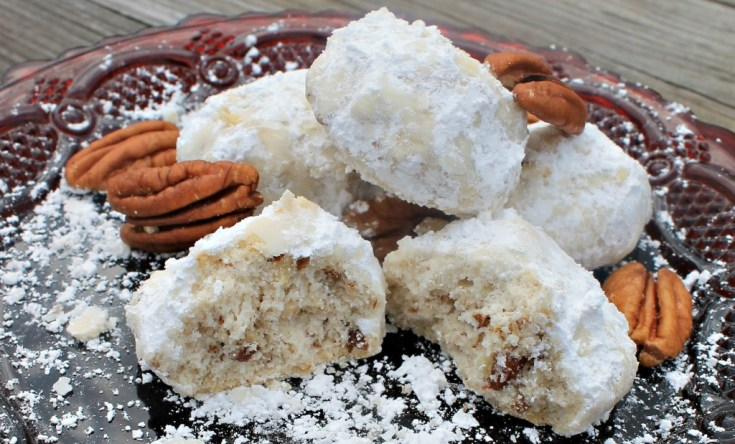 Old Fashioned Pecan Snowdrop Cookies just like Pecan Sandies but better! #christmascookies