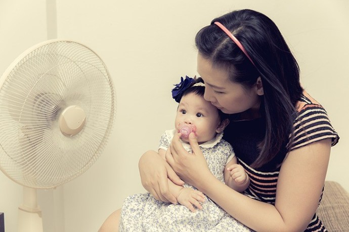 use a fan to regulate your baby's room temperature
