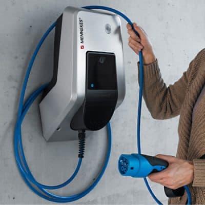 armtron wandlader voor elektrische voertuigen van mennekes